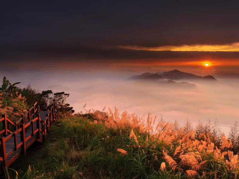 Eryanping, a beautiful sunset spot on the way up to Alishan